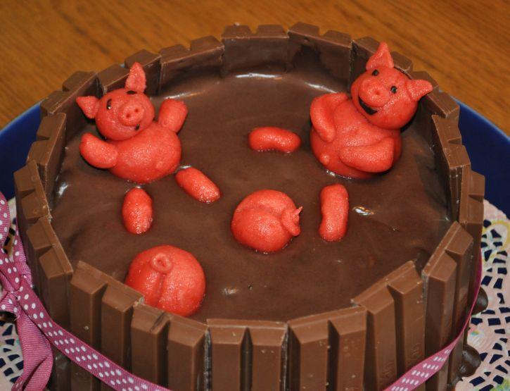 Sauereien Im Internet Meine Erste Schweinetorte Little Red