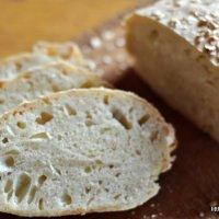 Knuspriges Weizenbrot: Mein erster (erfolgreicher) Brotbackversuch